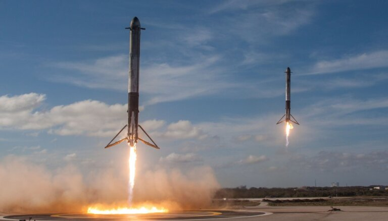 SpaceX запустила в космос ракету Falcon Heavy с кабриолетом Tesla