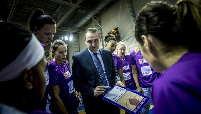 'TTT Rīga' galvenais treneris: spēle bija laba, paldies meitenēm par azartu un cīņassparu