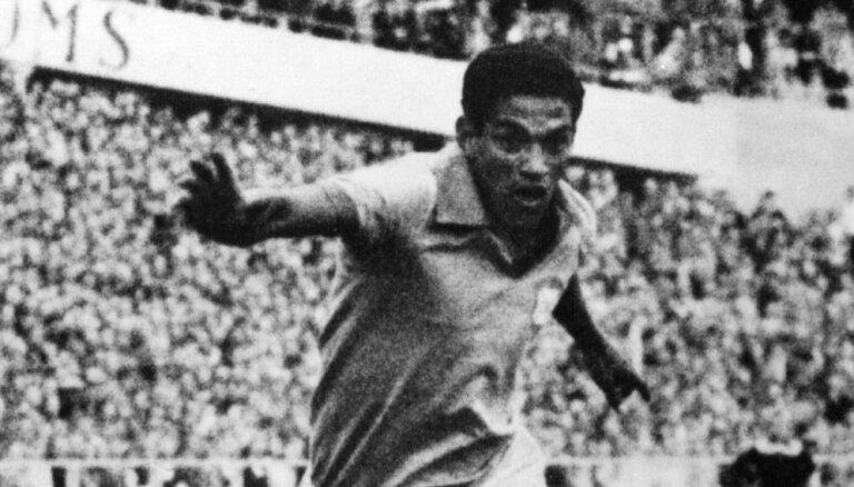 Из фамильного склепа пропали останки бразильской легенды Гарринчи