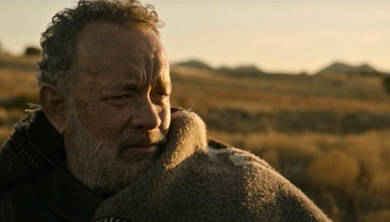 Garām kinoteātriem: starptautiskajā tirgū vesternu ar Tomu Henksu piedāvās 'Netflix'