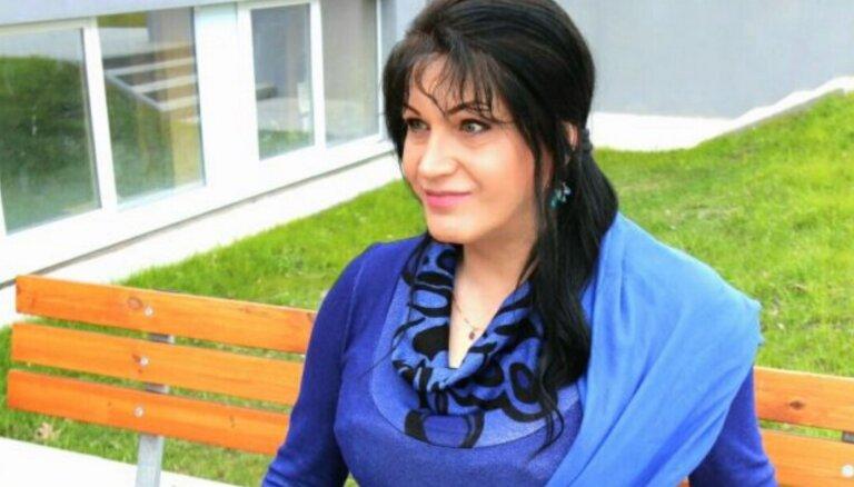 'Ērkšķu šovā' iepazītā Linda lūdz naudu dzimuma maiņas operācijai