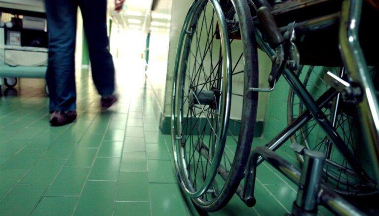 Palielinās kopšanas pabalstu bērniem un pieaugušajiem ar smagu invaliditāti kopš bērnības