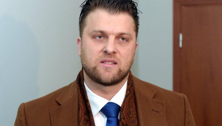 Bijušā maksātnespējas administratora Sprūda krimināllietu turpinās iztiesāt jūlijā