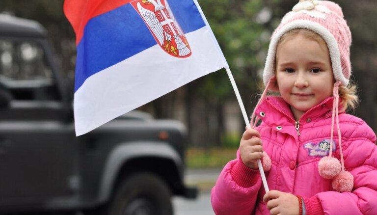 Сербия с ликованием встречает Путина: всего лишь шоу?