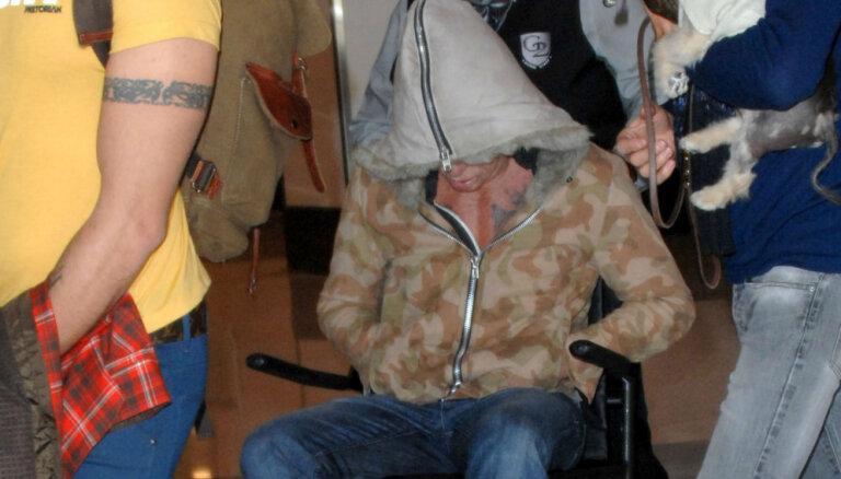 Fanus satrauc Mikijs Rūrks invalīdu ratiņos