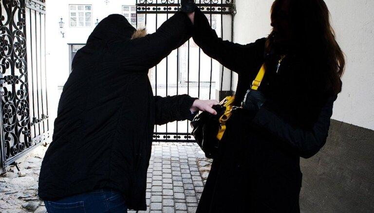 Valsts policiju uztrauc ārzemēs dzīvojošo latviešu noziedznieku darbība pēc atgriešanās dzimtenē