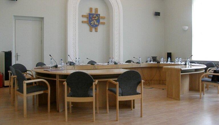 Rēzeknes domes sēdēs opozīcijas deputāti drīkst uzdot trīs jautājumus