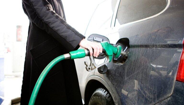 Нефть подешевела до уровня октября 2017 года