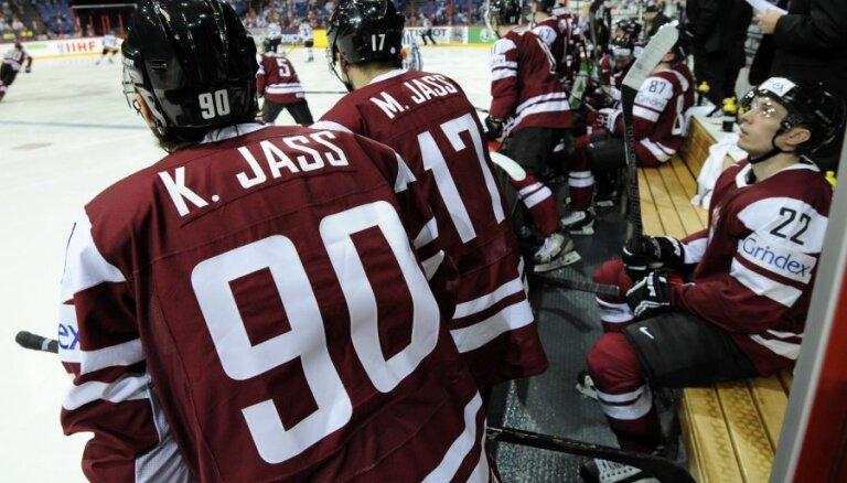 Latvijas hokejisti svarīgā mačā par palikšanu PČ elitē tiekas ar Franciju