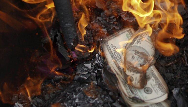 Китай устал от доллара