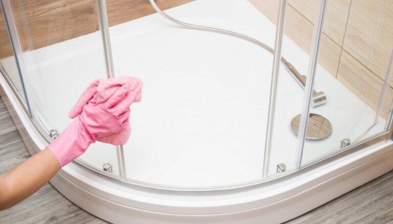 Ceļš uz spodrību: vērtīgi padomi vannas vai dušas ģenerāltīrīšanai