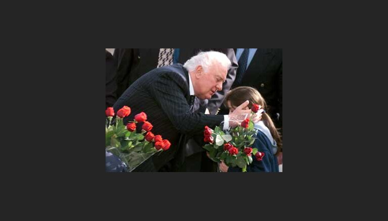 Шеварднадзе снова стал президентом Грузии