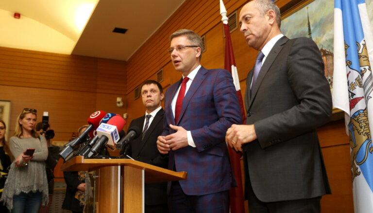 Ушаков продолжит работать в Рижском порту, решение об отставке считает незаконным