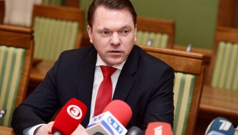 LDz vadība: satiksmes ministra darbības vērstas uz slēptu LDz privatizāciju