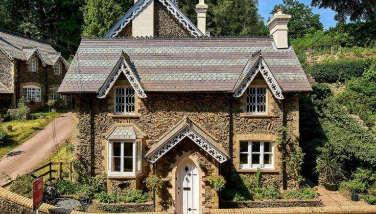 Foto: Moderna 'piparkūku' mājiņa Lielbritānijā, kas reiz bija stallis