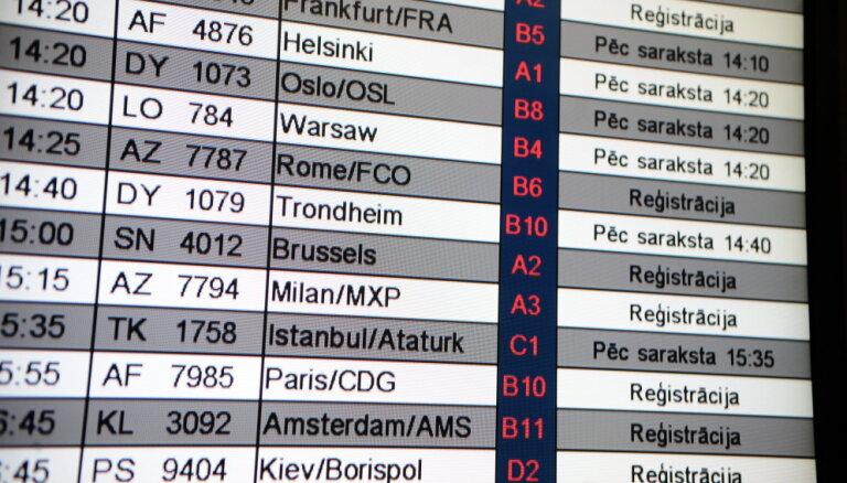 """Авиакомпания """"Трансаэро"""" отменяет более 30 рейсов, в том числе и Рига - Москва"""