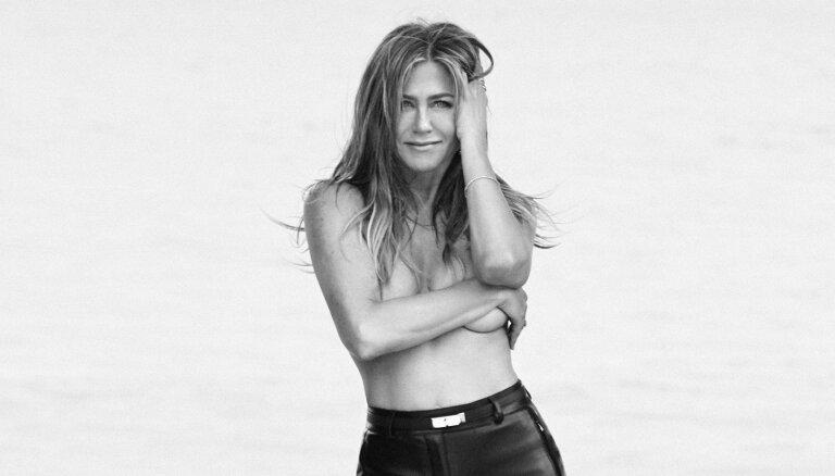 Dženifera Anistone 50. dzimšanas dienu godina ar juteklisku fotosesiju