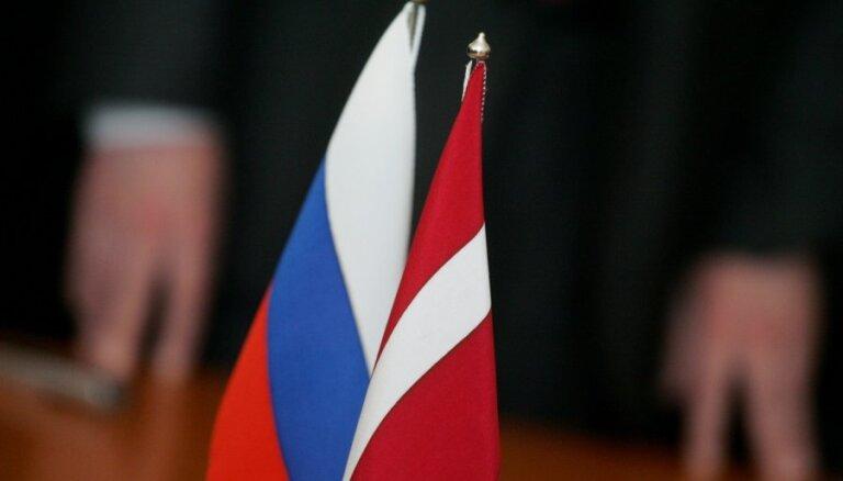 Krievija iesniegusi Latvijai notu saistībā ar pieminekļa padomju jūrniekiem demontāžu Limbažos