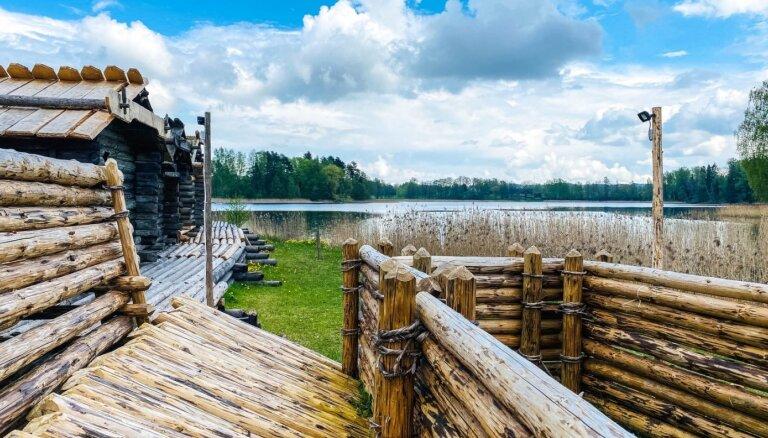 ФОТО. Как выглядит озерный замок Арайши после реконструкции