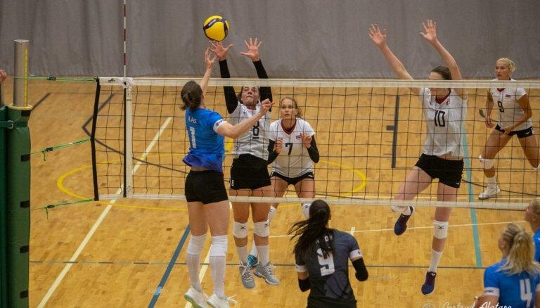 Latvijas volejbolistes bez trim pamatsastāva spēlētājām piekāpjas arī otrajā pārbaudes spēlē