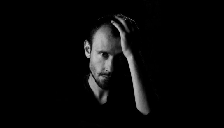 Botāniskā dārza Palmu mājā koncertēs dziesminieks Imants Daksis