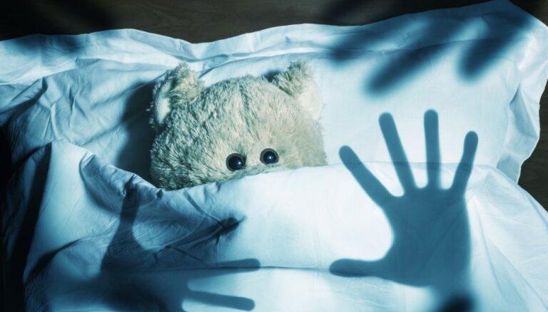 Jautājums psihologam: piecgadniece baidās iemigt viena