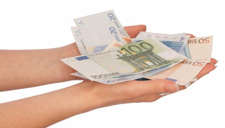 Saeimas komisija konceptuāli atbalsta jauno partiju finansēšanas modeli