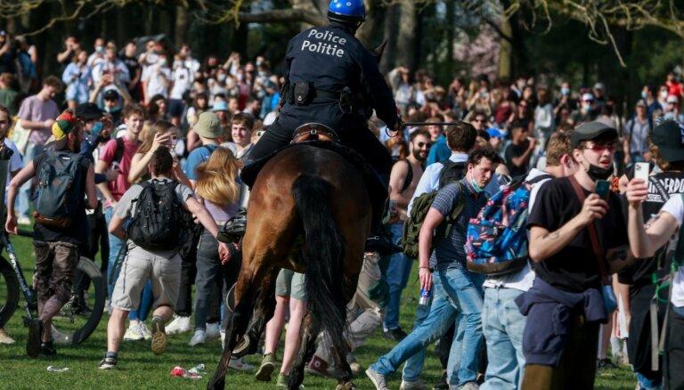 Policisti Briselē izdzenā viltus koncerta dalībniekus