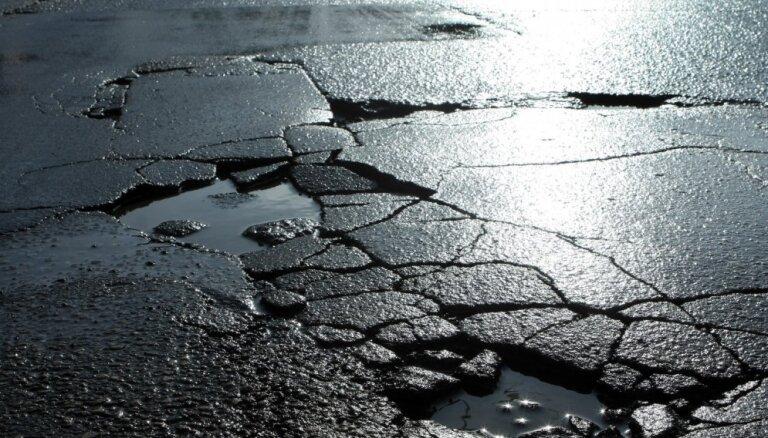 """Минфин отказывается включать """"дорожный налог"""" в цену топлива"""