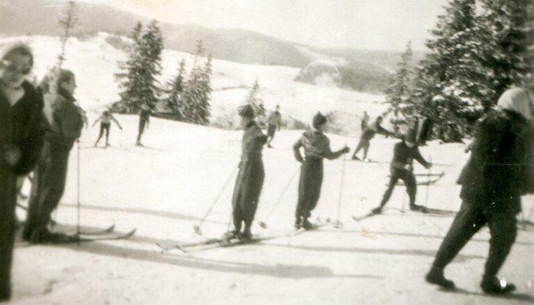 Zudušo laiku burvība: Ogrē apskatāms gandrīz simts gadus vecs slēpošanas inventārs un fotogrāfijas