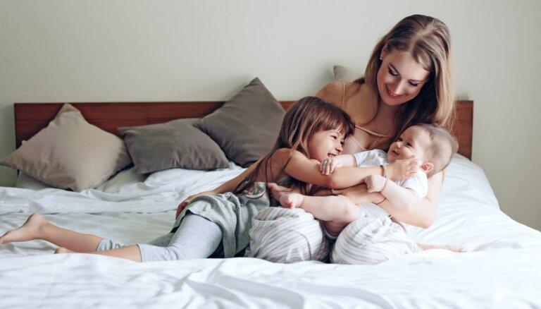 Pozitīvās audzināšanas ABC: no dzimšanas līdz piecu gadu vecumam