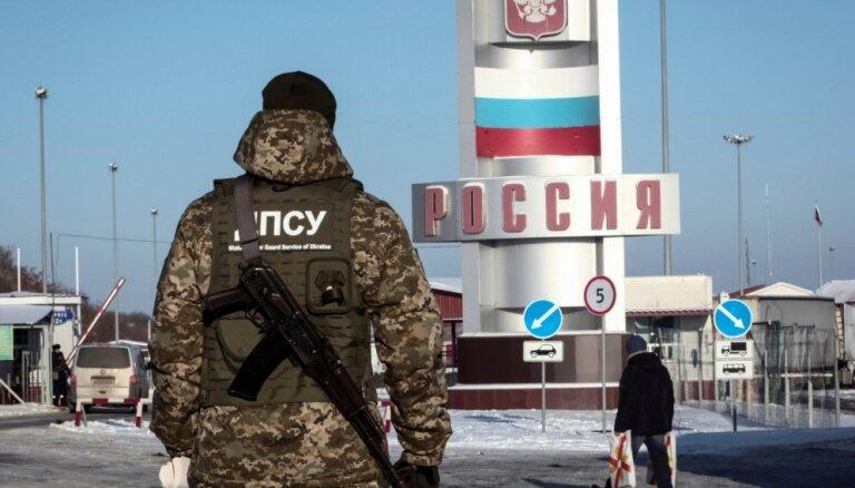 Ukraina aizliedz iebraukt valstī krievu vīriešiem