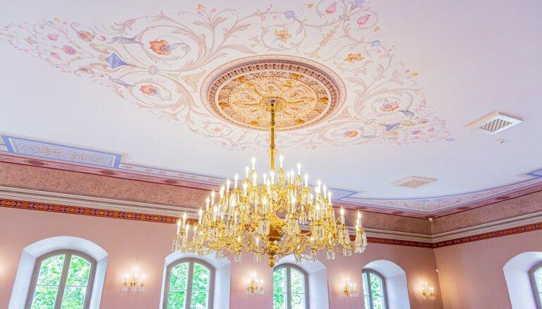 ФОТО. Красота невероятная: В Крустпилсском замке отреставрировали Большой зал