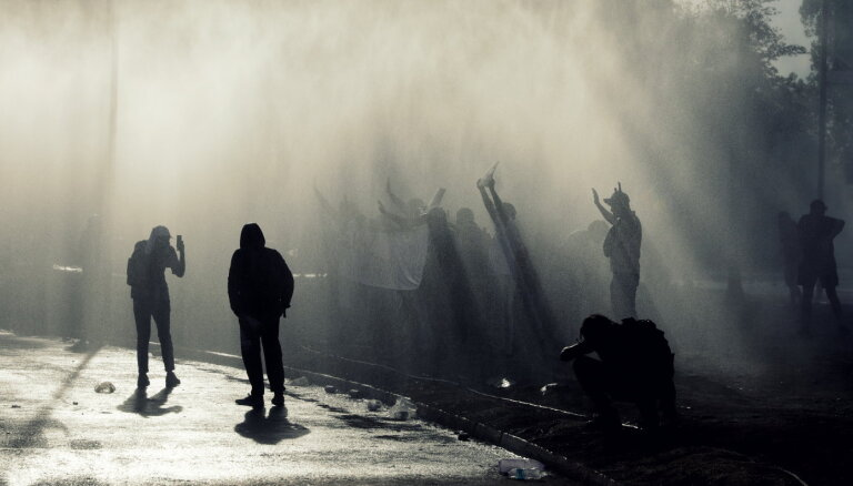 Pasaule vārās: Kur un kāpēc šoruden ielās iziet pūļi