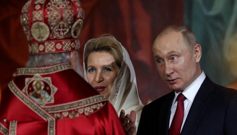Российская власть увлеклась мистицизмом: от старцев ждут исцеления и предсказания