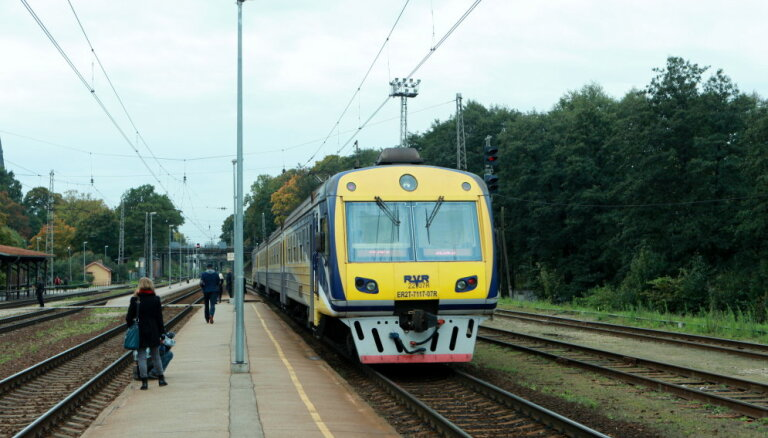 Pasažieru vilciens обещает дешевые проездные после перехода на зональные тарифы