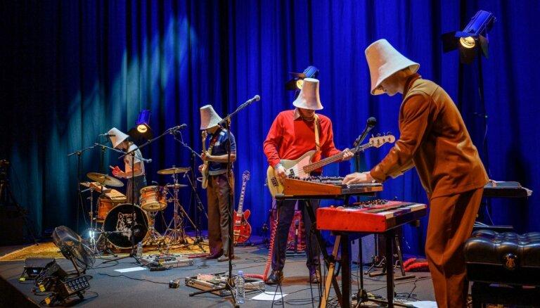 Foto: Liepājā izskanējis 'Carnival Youth' koncerts 'Naivais ku-kū'