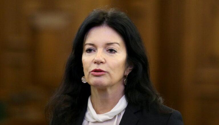 Петравича уже достигла первого лимита прогулов заседаний комиссии Сейма