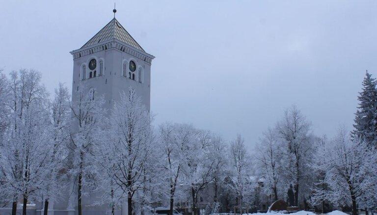 Aculiecinieku kadri: Durbes pils un Jelgava ziemas rotā