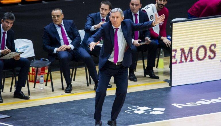 Šmitam neuzticīgais Pesičs neturpinās trenēt 'Barcelona' klubu