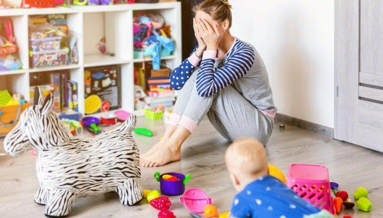 Psiholoģe nosauc 10 iemeslus, kādēļ ir jāatvadās no sapņa būt ideālai mātei