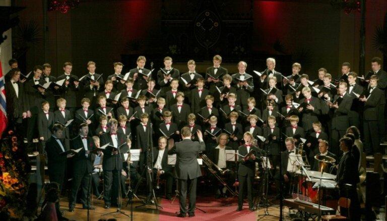 Rīgas Doma kora skolas 20. jubilejai meiteņu un zēnu kori gatavo īpašus priekšnesumus