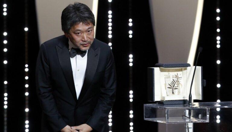 Kannu kinofestivāla 'Zelta palmas zaru' saņēmusi japāņu filma 'Shoplifters'