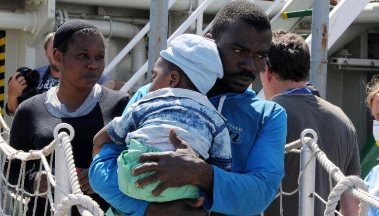 OECD: Imigranti veselības pakalpojumus izmantoto retāk nekā vietējie iedzīvotāji