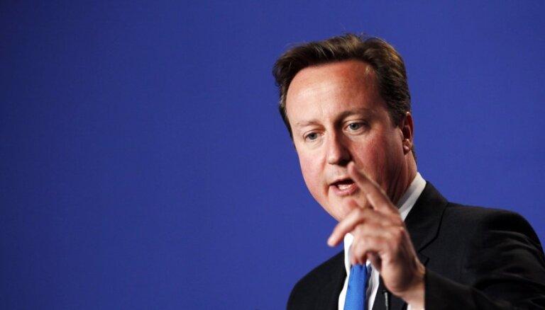 Kamerons sarunās ar ES vēlas panākt 'labāko no abām pasaulēm'