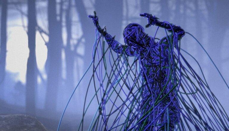 Noskaties! Evija Vēbere prezentē jaunu video Berlīnes mūzikas festivālā 'PopKultuur'
