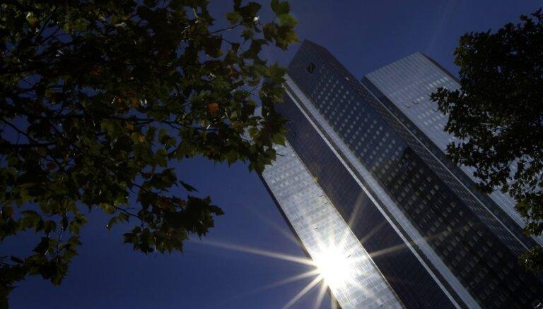 'Deutsche Bank' plāno pārtraukt ASV dolāru maksājumus daļai Latvijas banku, ziņo 'Bloomberg'