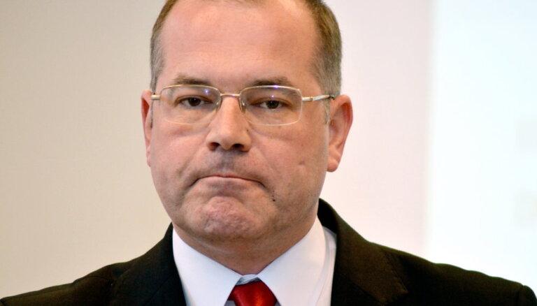 Mamikins vēlas sodīt Šadurski par izteikumiem saistībā ar pāreju uz mācībām latviešu valodā
