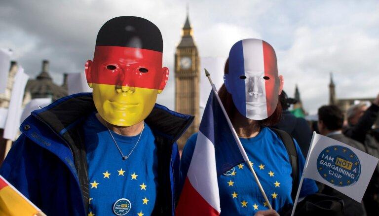 """""""Чтобы не чувствовали себя как дома"""". Что Британия хочет сделать с иммигрантами"""