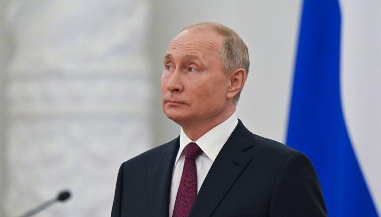 """Путин не назвал Медведева в качестве кандидата в первую пятерку списка """"Единой России"""""""